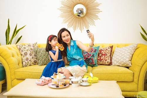 Con gái Lưu Hương Giang đáng yêu như thiên thần bên mẹ 6