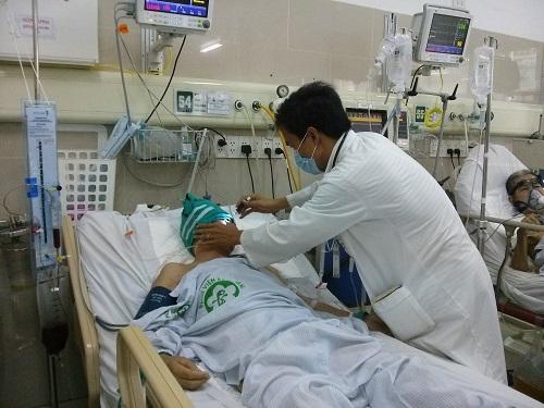 """Bệnh nhân xuất huyết não """"chết đi sống lại""""... quát bác sỹ 2"""