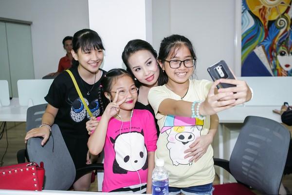 Hình ảnh Trực tiếp Giọng hát Việt nhí 2015 liveshow 1 số 2