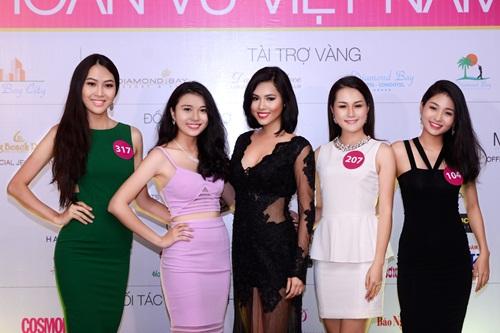 Tân Hoa hậu Hoàn vũ Việt Nam 2015 nhận giải thưởng gần 10 tỷ 4