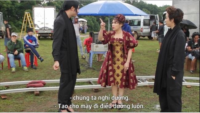 Clip: Trấn Thành, Thu Trang bị Việt Hương đánh không thương tiếc 2
