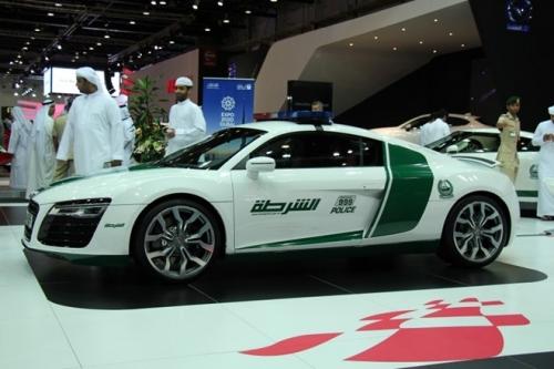 Cảnh sát Dubai gây choáng với dàn xe sang tiền tỷ 3