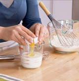 Cách làm bánh bột mì rán chiên giòn thơm ngon đơn giản 4