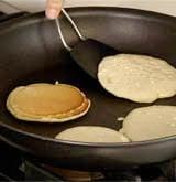 Cách làm bánh bột mì rán chiên giòn thơm ngon đơn giản 8