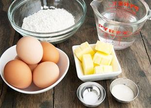 Cách làm bánh bột mì rán chiên giòn thơm ngon đơn giản 2