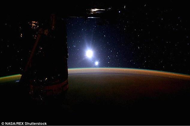 NASA 'muối mặt' vì nhầm lẫn Mặt Trăng thành Mặt Trời 3
