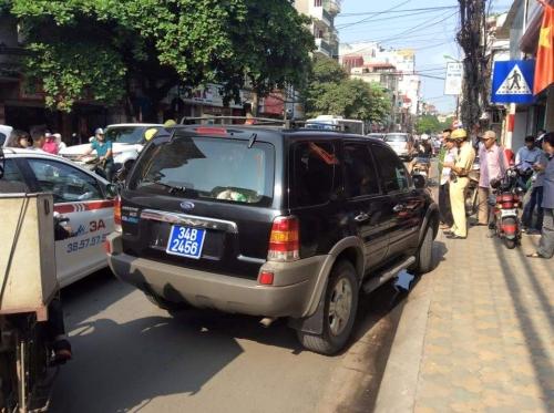 Vụ xe biển xanh chạy trốn CSGT Hà Nội: Tài xế nói gì 1