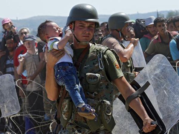 Những bức hình ám ảnh nhất về khủng hoảng nhập cư châu Âu 2