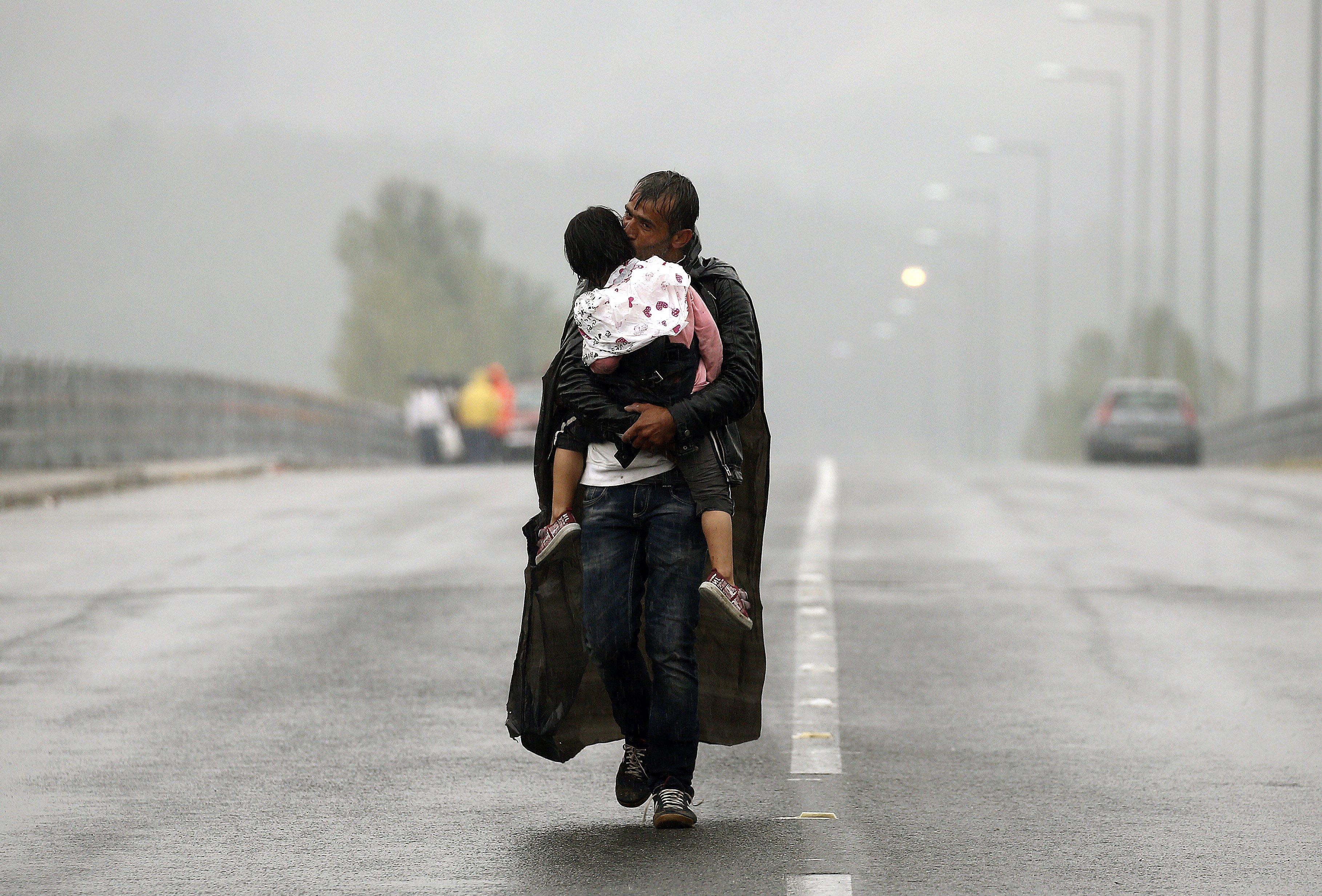 Những bức hình ám ảnh nhất về khủng hoảng nhập cư châu Âu 4