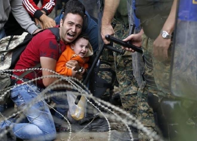 Những bức hình ám ảnh nhất về khủng hoảng nhập cư châu Âu 9
