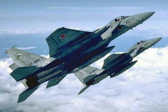 Nhật điều 4 chiến đấu cơ chặn máy bay nghi của Nga xâm phạm không phận 1