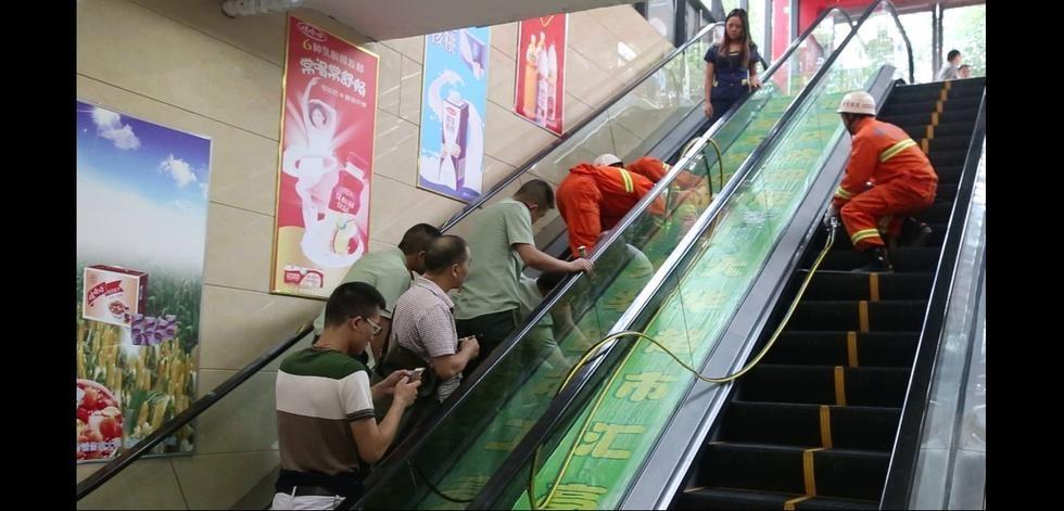 Thang cuốn Trung Quốc lại 'nuốt chửng' cánh tay em bé 3 tuổi 3
