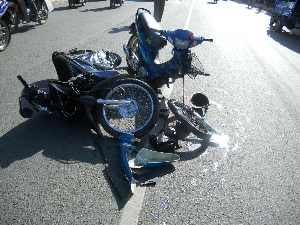 Hình ảnh Bạn nên làm gì khi xảy ra tai nạn xe máy? số 1