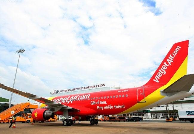 Máy bay hạ cánh khẩn cấp xuống Đà Nẵng 1
