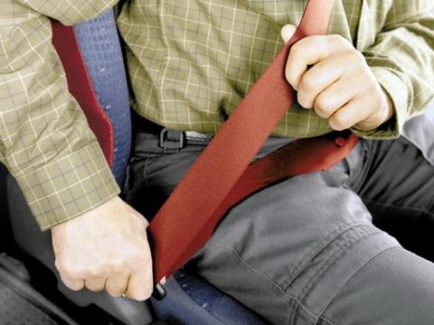 Nguy hiểm rình rập từ việc không thắt dây an toàn trên ô tô 2