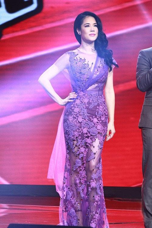 Sao Việt đẹp tuần qua: Đặng Thu Thảo, Thu Phương mong manh quyến rũ với váy ren 2