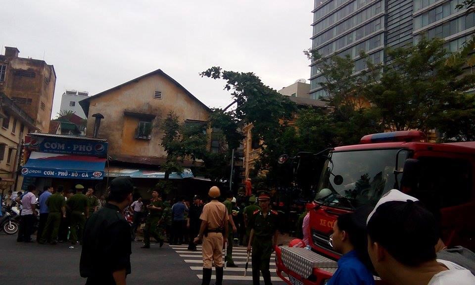 Nhân chứng vụ sập nhà cổ ở Hà Nội: