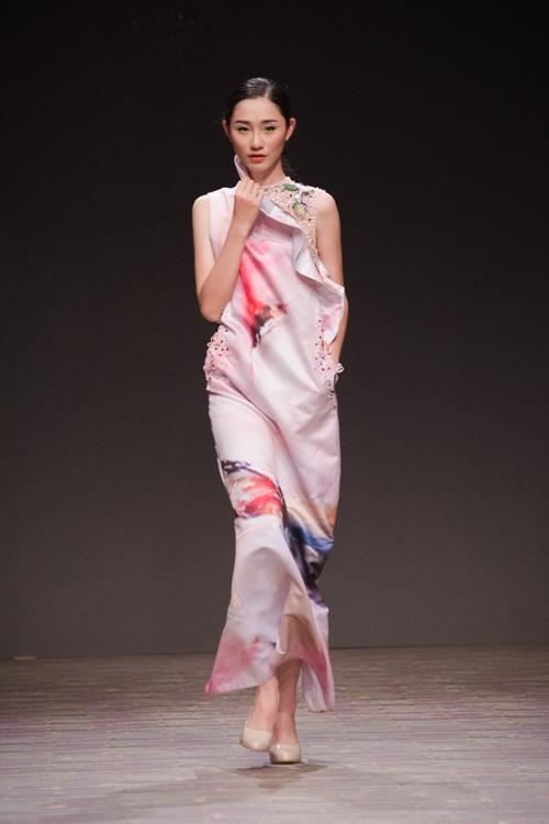 Tuần lễ thời trang Việt Nam xuân hè 2016  - Sắc màu một ngày mới 18