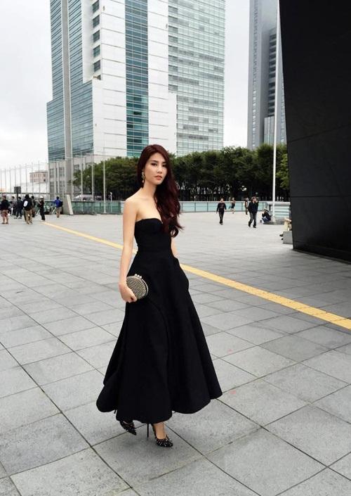 Sao Việt đẹp tuần qua: Hoàng Thùy Linh, Angela Phương Trinh gợi cảm, quyến rũ 6