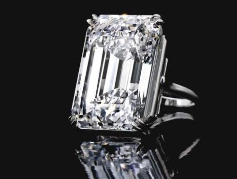 7 chiếc nhẫn kim cương nghìn tỷ đắt nhất hành tinh 4