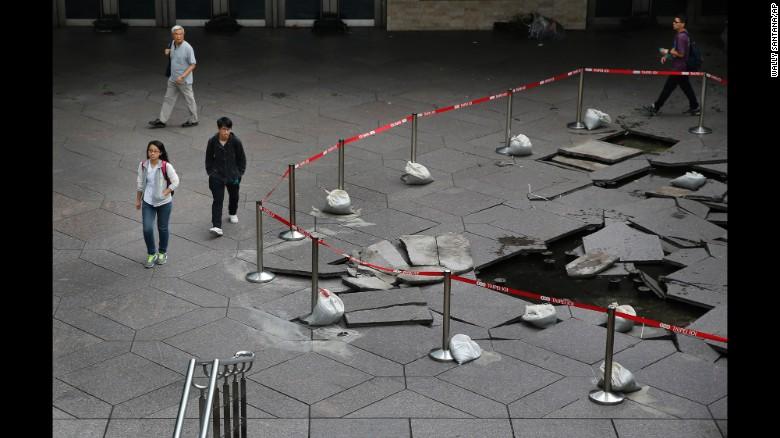 Siêu bão Dujuan tàn phá Đài Loan, hơn 300 người thương vong 2