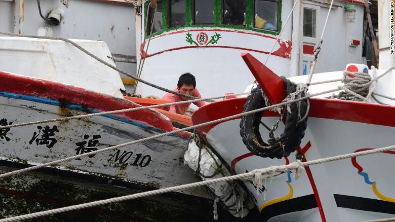 Siêu bão Dujuan tàn phá Đài Loan, hơn 300 người thương vong 8
