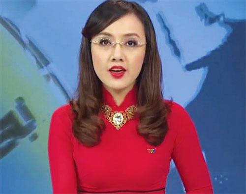 BTV Hoài Anh lần đầu khoe giọng hát trên sóng truyền hình 1