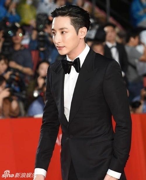Ha Ji Won, Son Ye Jin đọ sắc trên thảm đỏ LHP Quốc tế Busan 17