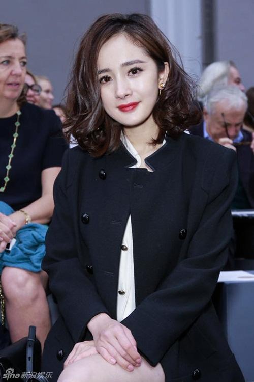 Lưu Thi Thi thanh lịch, Dương Mịch nữ tính tại Tuần lễ thời trang Paris 6