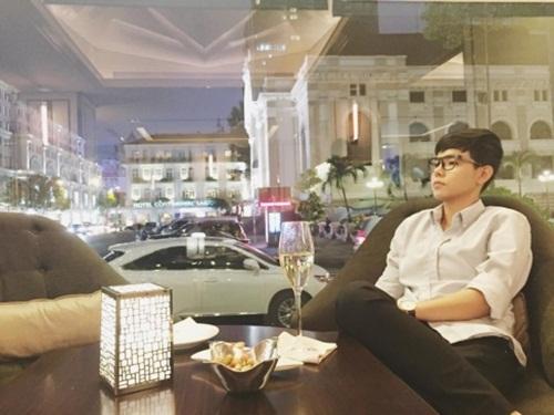 Facebook sao Việt: Ngọc Trinh lại tự hào quá đà về nhan sắc 5