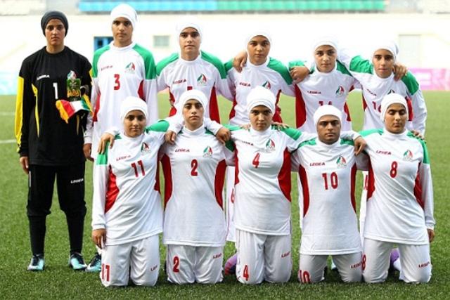 SỐC: ĐT nữ Iran có 8 cầu thủ là đàn ông 1
