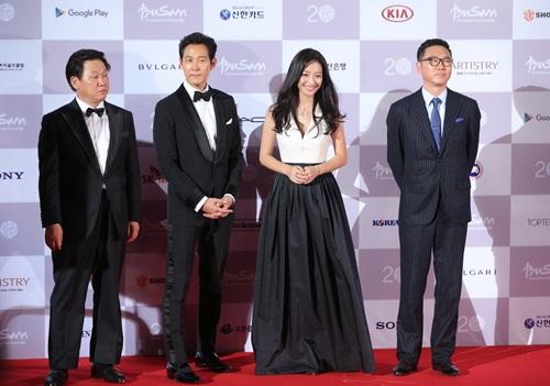 Ha Ji Won, Son Ye Jin đọ sắc trên thảm đỏ LHP Quốc tế Busan 22