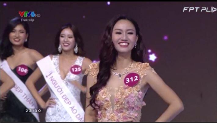 Phạm Thị Hương đăng quang Hoa hậu Hoàn vũ Việt Nam 2015 mặc scandal 4