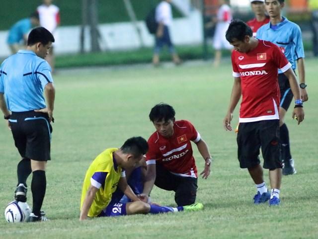 HLV Miura đối mặt với 'núi' khó khăn trước trận gặp Iraq  1
