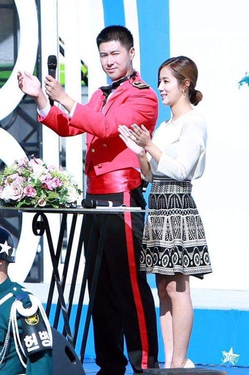Jae Joong vui mừng nhún nhảy khi hội ngộ Yunho trong quân ngũ 1