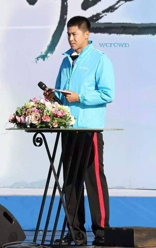 Jae Joong vui mừng nhún nhảy khi hội ngộ Yunho trong quân ngũ 12
