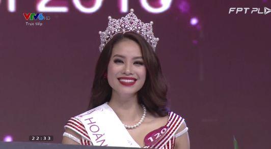 Phạm Thị Hương đăng quang Hoa hậu Hoàn vũ Việt Nam 2015 mặc scandal 1