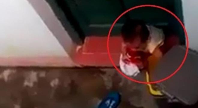 Vụ bé gái ăn rác ở Lạng Sơn: Người mẹ nói gì? 1