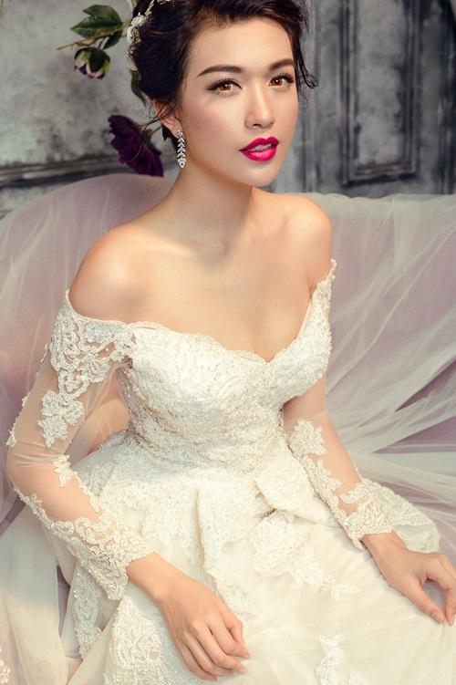 Á hậu Lệ Hằng quyến rũ với váy cưới 18