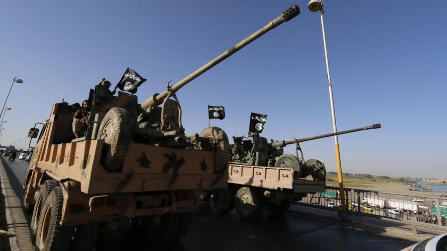 Sợ Nga không kích, 3.000 chiến binh IS bỏ trốn khỏi Syria 1