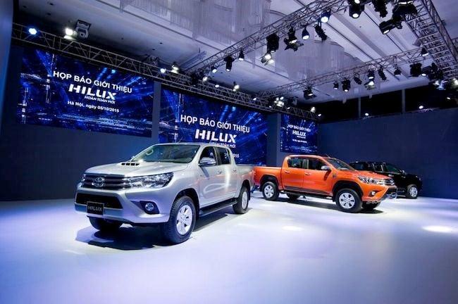Toyota Hilux 2016 bán tại Việt Nam có thêm bản số tự động 3