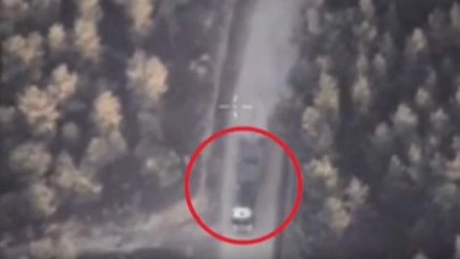 Video: Sợ Nga không kích, IS ráo riết đưa vũ khí đi giấu 1