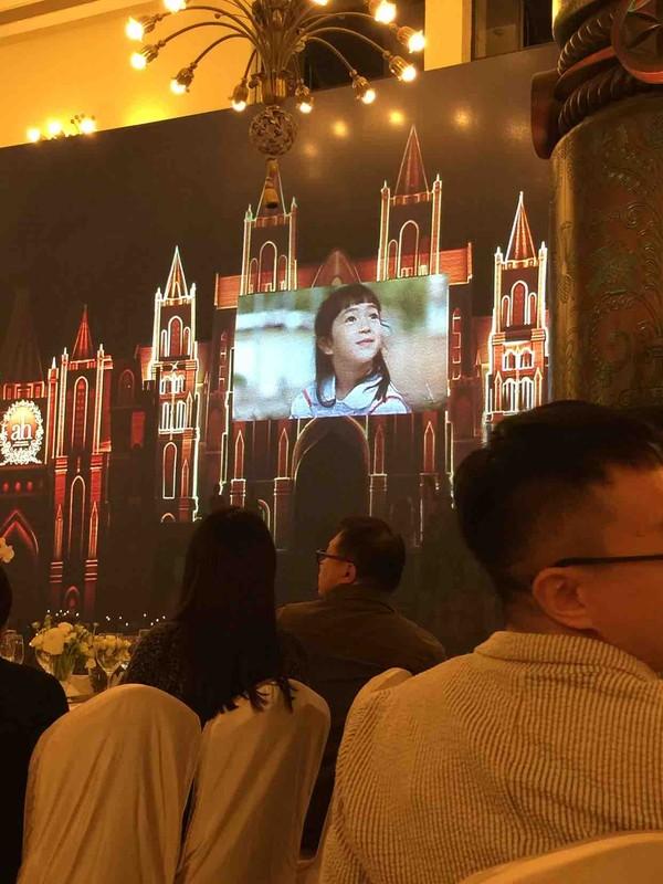Huỳnh Hiểu Minh bật khóc trong hôn lễ 17