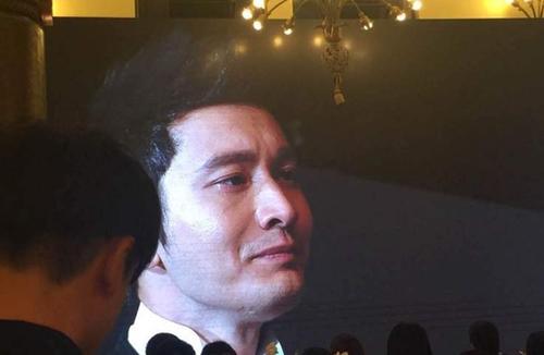 Huỳnh Hiểu Minh bật khóc trong hôn lễ 4