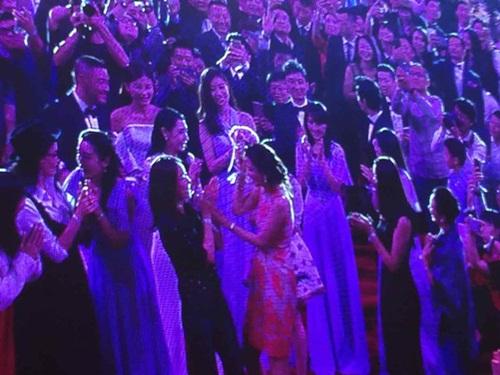 Huỳnh Hiểu Minh bật khóc trong hôn lễ 3