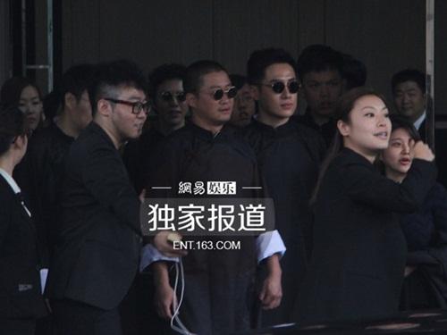 Cận cảnh lễ bái đường của Angela Baby và Huỳnh Hiểu Minh 15