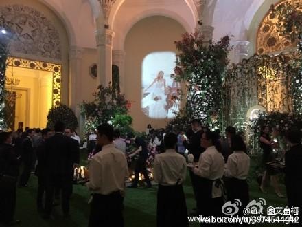 Huỳnh Hiểu Minh bật khóc trong hôn lễ 45