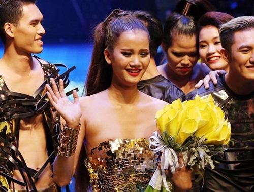Mẹ Hồng Xuân tố Hương Ly hãm hại con gái mình trước chung kết Next top 1
