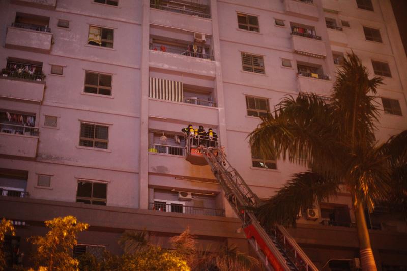Những kĩ năng thoát hiểm cần biết khi chung cư bị cháy 5