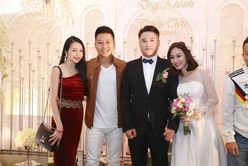 Tuấn Hưng cùng vợ tới mừng đám cưới Vũ Duy Khánh 1